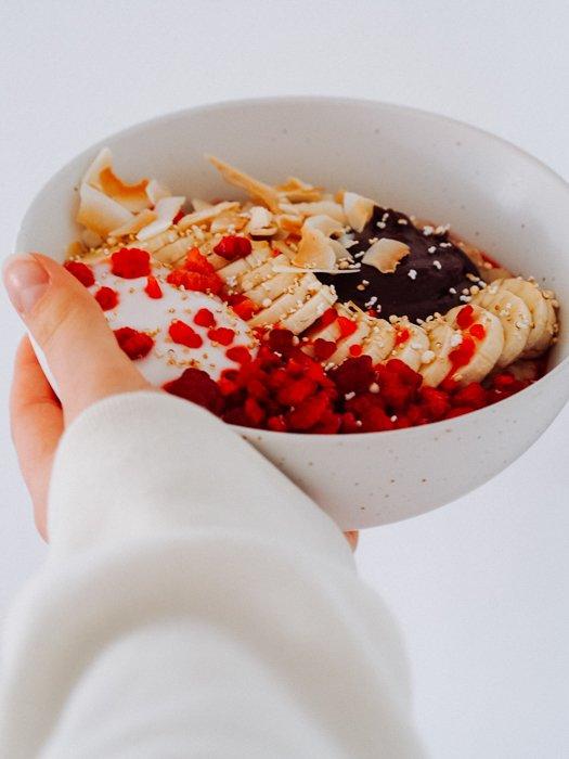 Frühlingsrezepte - Porridge in Schüssel